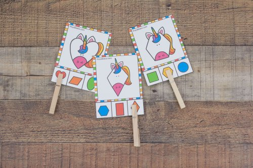Have fun working with shapes with this great unicorn themed shape set! Your preschoolers and kindergarteners will love learning about shapes with unicorns.